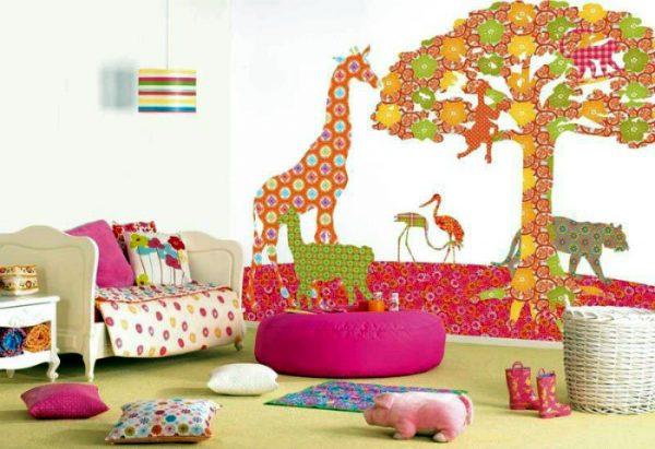 декор детской комнаты обоями