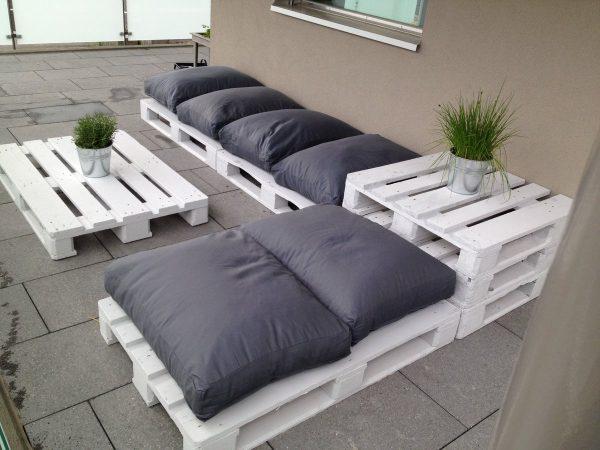 Простой вариант диванчика