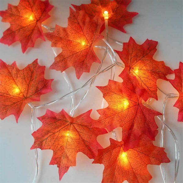 Осенние листья со светом