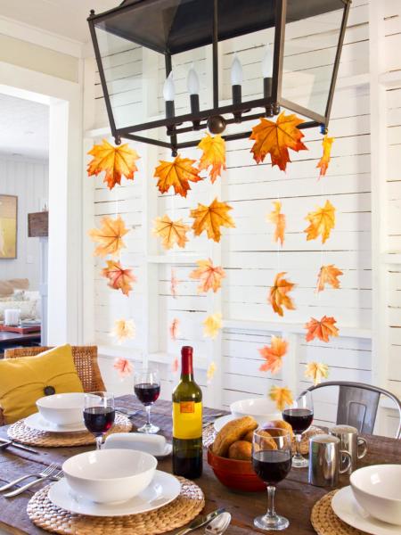 Листья над столом