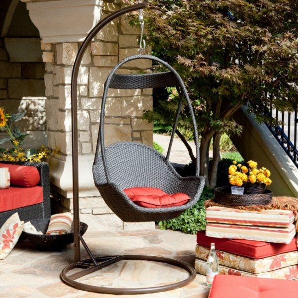 Кресло для современного интерьера