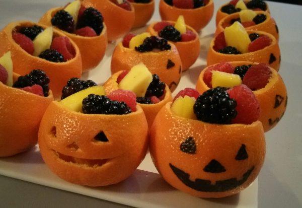Подача фруктов