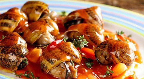 виноградные улитки в томатном соусе