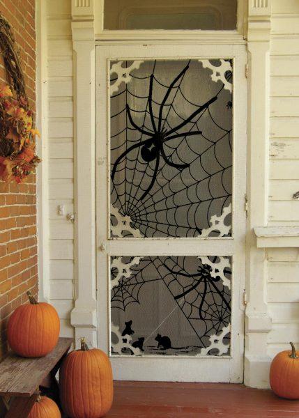 Наклейка с пауком на входную дверь