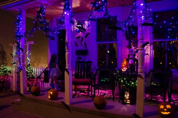Подсветка декора ночью