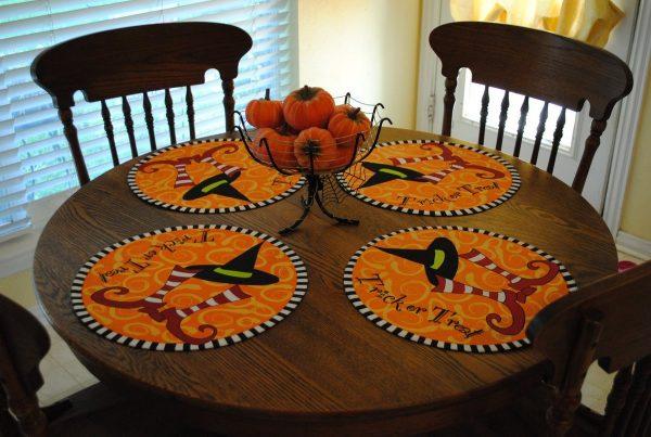 Салфетки на столе