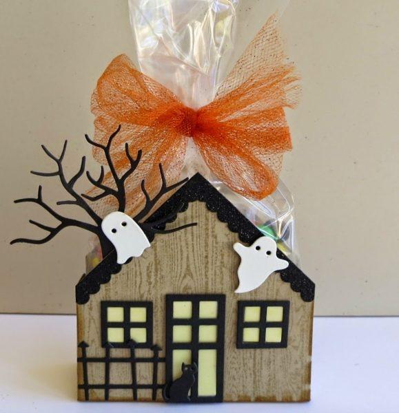 Дом со сладостями