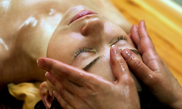 массаж лица с маслами