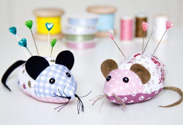 Игольницы в виде мышек