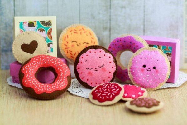 Пончики и печенье