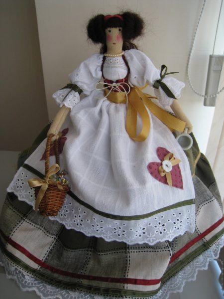 Кукла в сарафане