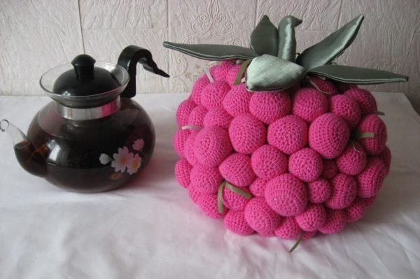 Грелка в виде ягоды