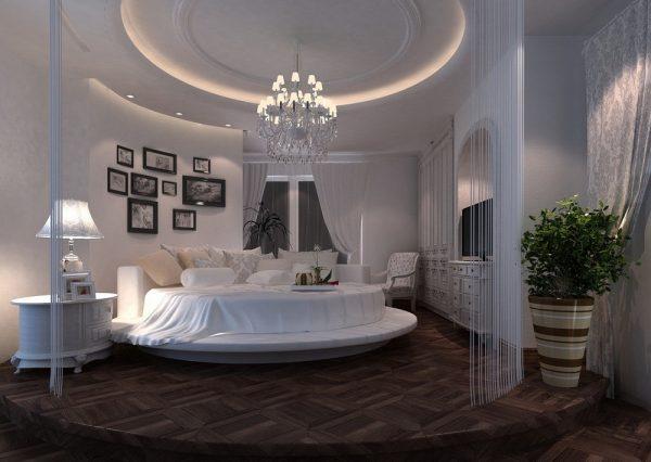 Круглая кровать в светлом интерьере