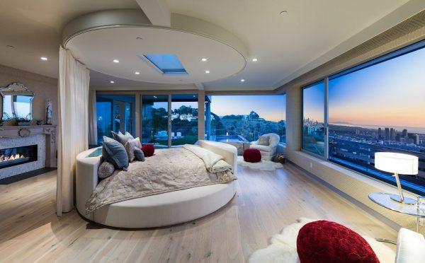 Круглая кровать с прямоугольным матрацем