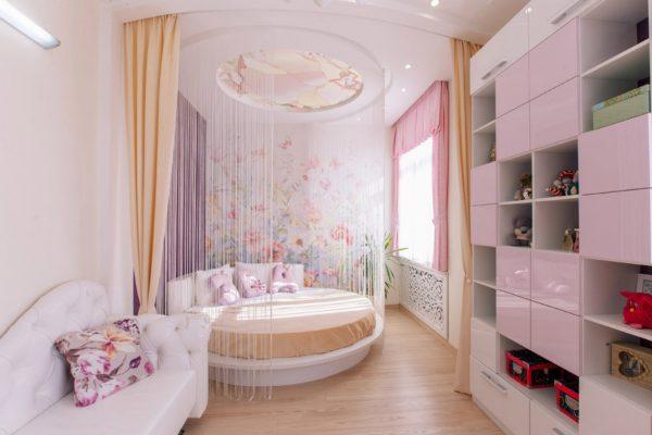 Занавеска вокруг кровати
