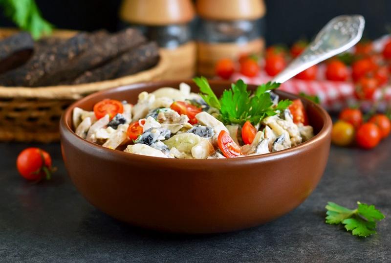 Грибной (грибы, сыр, помидоры)