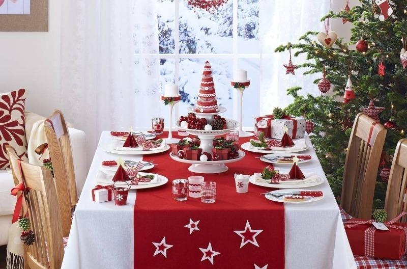 красная скатерть на стол на новый год